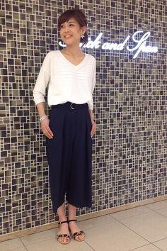 white top,navy gaucho pants ,ガウチョパンツ, Spick and Span スナップ