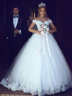 Sexy Wedding Dresses Ball Gown Off-the-shoulder Floor-length Bridal Gown,HS193
