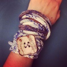 vane.handicraft's photo on Instagram tricotin bracelet