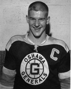 Bobby Orr with the Oshawa Generals Boston Bruins Hockey, Chicago Blackhawks, Hockey Pictures, Bobby Orr, Boston Sports, Hockey Games, Star Wars, Vancouver Canucks, Hockey Players