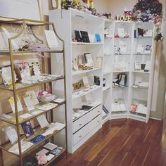 We are open along with the 30 wedding shops in The Reading Bridal District! Take advantage of our walk-in special of a free welcome sign poster for framing - coordinated with your invitation design. Enjoy a beautiful sunny day in the RBD!  #weddinginvitations #cincinnatibride #cincywedding #weddings #sayido #weddingstationery #poshbride #poshpaper #poshcouture