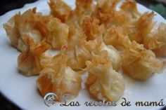 Pasta filo amb gambes i porro No Cook Appetizers, Finger Food Appetizers, Appetizers For Party, Appetizer Recipes, Quiches, Tasty Bites, Snacks, Food Decoration, Macaroni And Cheese