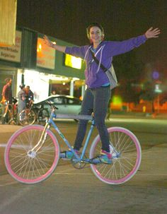 """""""bisikleta:  Tricia and her hot fixie (by Richard Masoner / Cyclelicious)   """""""