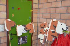 Vrij schilderen stokpaard - thema het paard van Sinterklaas (2de kleuterklas)