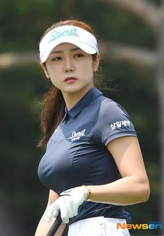 Girls Golf, Ladies Golf, Sexy Asian Girls, Beautiful Asian Girls, Cute Golf Outfit, Sexy Golf, Tennis Players Female, Girls In Mini Skirts, Football Girls