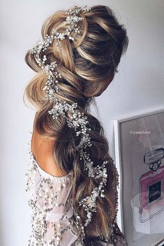 Wedding Hairstyles With Braids Pictures stunning wedding hairstyles with braids for amazing look in Wedding Hairstyles With Braids. Here is Wedding Hairstyles With Braids Pictures for you. Wedding Hairstyles With Braids 34 beautiful braided wedding h. Bridal Braids, Bridal Hair Vine, Wedding Braids, Headpiece Wedding, Prom Braid, Braided Hairstyles For Wedding, Pretty Hairstyles, Prom Hairstyles, Hairstyle Wedding