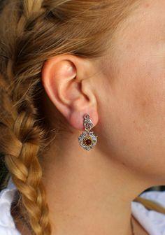 Traditionelle Trachtenschmuck Ohrringe Brunhilde Shops, Diamond Earrings, Jewelry, Fashion, Earrings, Silver, Moda, Tents, Jewels