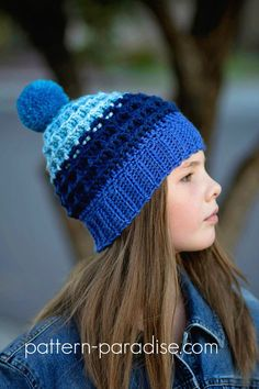 Free Crochet Pattern - Alpine Nights Waffle Beanie with Caron Yarn Cake Crochet Kids Hats, Crochet Scarves, Crochet Crafts, Knitted Hats, Crochet Projects, Crochet Waffle Stitch, Crochet Cap, Free Crochet, Simple Crochet