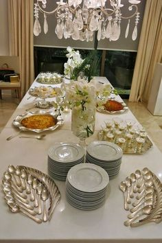 Ideas for diy food display ideas buffet Buffet Set, Food Buffet, Buffet Tables, Appetizer Buffet, Dining Etiquette, Table Manners, Beautiful Table Settings, Table Set Up, Napkin Folding