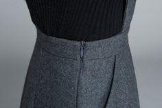 dark grey dress knee length dress skirt with pockets high Hijab Fashionista, Winter Dresses, Dress Winter, Long Skirts For Women, Casual Dress Outfits, Knee Length Dresses, Wool Dress, Gray Dress, Korean Fashion