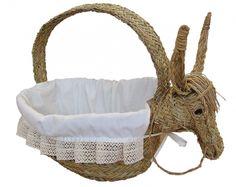 Original cesta de  forrada con calicó, con forma de burro, divertida para los más pequeños. $96 EUR