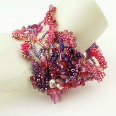 Perlage Cuff Bracelet forme libre Peyote par StoneDesignsbySheila