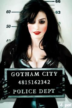 How to: A Chic Halloween DIY Catwoman Costume - Anne Hathaway