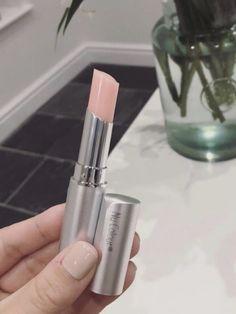 Lip Plumping Balm, Lip Balm, Beauty Care, Beauty Makeup, Lip Colour, Color, Perfect Lips, Lip Fillers, Dry Lips