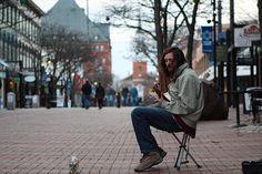 O calçadão de Burlington, VT é sempre palco para os músicos locais - Diário do Queijo
