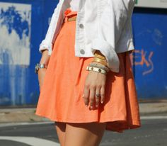We love this Peach and White combo on @Helena Glazer but our Kate Mesh Bracelet steals the show