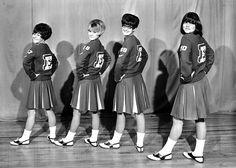 Cheerleaders School Cheerleading, Cheerleading Pictures, Cheerleading Uniforms, School Daze, Old School, High School, Saddle Shoes, Women's Shoes, Bobby Socks