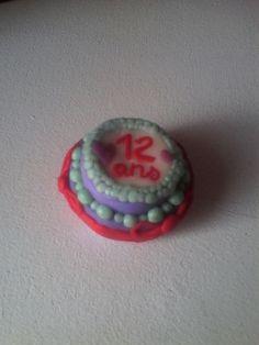 Gâteau d'anniversaire en pâte fimo