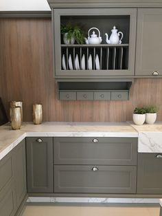 Grey Kitchen Interior, Cuisines Design, Kitchen And Bath, Kitchen Remodel, Kitchen Design, Sweet Home, Kitchen Cabinets, House Design, Home Decor