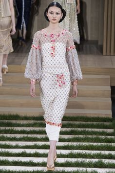 Chanel Spring 2016 Couture Fashion Show - Cong He
