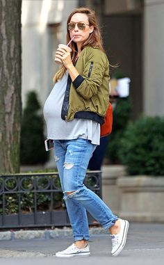 Olivia Wilde from The Big Picture: Today's Hot Pics  Bumpin' around! The pregnant actress is seen sipping a shake in New York City's Central Park.