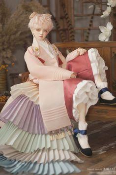 Anime Dolls, Blythe Dolls, Traditional Fashion, Traditional Dresses, Pretty Dolls, Beautiful Dolls, Korean Accessories, Human Doll, Grafiti