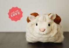 Schaf Kindchen Schaf,...  MehMeh Schaf geht auf Reisen - weiß aber nur noch nicht wohin. Das Schaf hat endlich genug Wolle und große Hörner, um s...