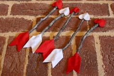 Antsi-Pants: Felt & Stick arrows. Jackie they must have seen Ryan's Valentine photos from last year lol! @Jackie Monak