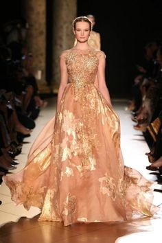 Gold leaf dress. elie saab gold.