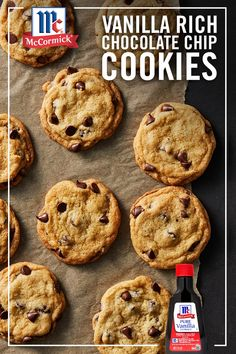 A delicious combination of chocolate and premium vanilla? Try these perfectly golden brown, Vanilla Rich Chocolate Chip Cookies for an easy go-to dessert recipe. They'll definitely make your list of all time favorite cookie recipes. Köstliche Desserts, Delicious Desserts, Dessert Recipes, Yummy Food, Chocolate Chip Cookies, Yummy Treats, Sweet Treats, Cookie Recipes, Food To Make