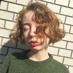 mini bob パーマ ✨ 前髪強めにかけるのが、かわいい❣️ ⚠️ブリーチ&ハイライト&ストレートパーマされてる方は パーマがかけれないため、お断りしてます #mood #perm #미용사 #헤어메이크 #염색 #헤어스타일 #hairstyle #color #tokyo #hairsalon