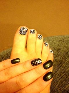 Jessica Nailsy Nail Foils in Snow Leopard on toes and X Marks the Spot accent nail.