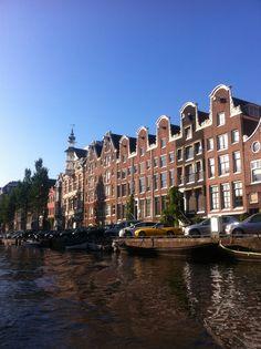 Amsterdam is zo mooi vanaf het water.