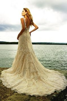 love the back. @Tiffany Landis, i think we need to go try on dresses when you come home in october :)