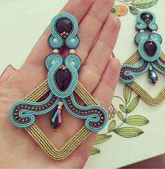 Soutache Earrings, Handmade Jewelry, Diy Jewelry, Jewellery, Jewelry Making, Instagram, How To Make, Hand Embroidery, Jewels