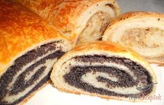 Yeast dough strudel with poppy seed and nut filling Christmas Deserts, Christmas Baking, Challa Bread, Snack Recipes, Cooking Recipes, Czech Recipes, Pudding Desserts, Homemade Chocolate, Clean Eating Snacks