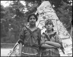 Indians left to right: Liza Dana, Mariah Lewey - real Indian maids to take part in Plymouth celebration | Creator/Contributor: Jones, Leslie, 1886-1967 (photographer) Date created: 1921-07-07