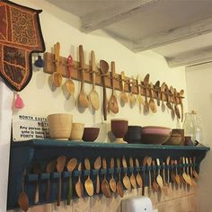 20 Awesome Wooden Spoon Rack Design For Your Kitchen Craft Stall Display, Spoon Art, Green Woodworking, Craft Stalls, Diy Cutting Board, Rack Design, Wood Stone, Indian Home Decor, Wooden Spoons