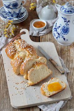 Striezel Rezept - Saftiger Striezel mit Germ. Perfekt als Allerheiligenstriezel und als Frühstück. // yeast bread recipe // Sweets & Lifestyle®️️️ #striezel #hefezopf #rezept #germteig #hefeteig #allerheiligenstriezel #yeastbread #recipe #allsaintsbread #sweetsandlifestyle
