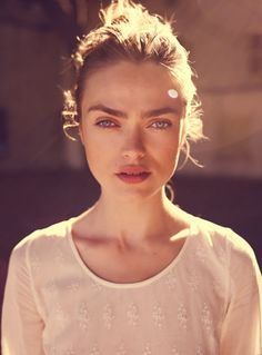 Love the way Maison Scotch uses light in this campaign. Gives a sereen atmosphere.