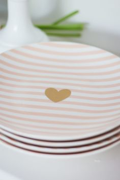 Simple & Sweet Valentine's Day Party - A Thoughtful Place