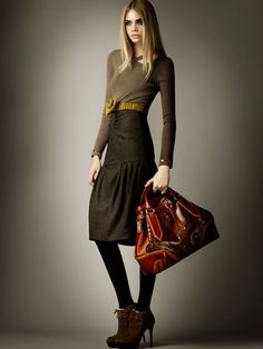 burberry prefall8 Cara Delevingne for Burberry Pre Fall 2012 Collection