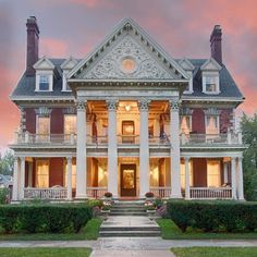 Historical Architecture, Amazing Architecture, Storybook Homes, Interior Design Themes, Old Mansions, Amazing Spaces, House Goals, Historic Homes, Old Houses