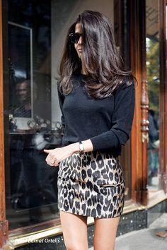 https://flic.kr/p/saYK5b | PARIS FASHION WEEK ready to wear Fall/Winter 2015/2016 - PARIS SEMAINE de la MODE Prêt à Porter Automne Hiver 2015/2016 | Style and attitudes... Summer short skirts trend .... Mme BARBARA MARTELO #pfw #barbaramartelo #trend #summer #skirts #fashion #paris #color #sexy #beauty #summerwear #style #streetstyle #nakedlegs