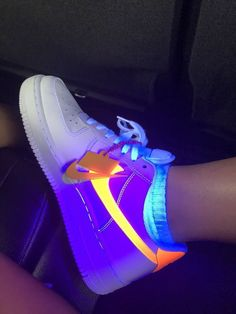 76ae153eb31c93 Nike Air Force 1 NEON that glow in the dark