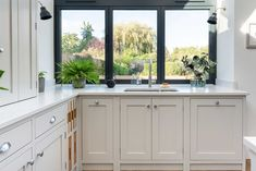 The Wild Wood Kitchen is an example of a handcrafted Shere Kitchen to show the craftmanship of our work and give you ideas for your bespoke kitchen White Wood Kitchens, Handmade Kitchens, Bespoke Kitchens, Beautiful Kitchens, Surrey, Kitchen Remodel, Kitchen Cabinets, Home Decor, Decoration Home