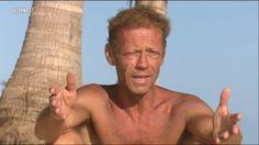 Rocco Siffredi piange all'Isola dei Famosi pensando alla moglie Rosa e ai suoi figli. L'attore