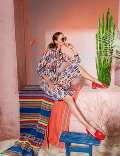 Вдохновением для новой летней коллекции от Alena Goretskaya стала Африка. Это яркая цветовая палитра, смешение стилей, анималистические и этнические принты, натуральные материалы, фурнитура и, конечно же, авторские аксессуары, которые дополнили и завершили образы, ярко отражающие стиль коллекции.  #alenagoretskaya #аленагорецкая #лето2020 #летнийобразженский #летнийобраз #тренды2020 #мода2020 #летнийобразнаработу #весна2020 #африка #образналето #платье #аксессуары2020 #аксессуары #шифон…