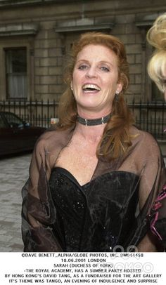 Dave Benett_alpha/Globe Photos, Inc. Dm044458 18.06.2001 London Sarah (Duchess of York) -the Royal Academy, Has a Summer Party Hosted by Hong Kongs David Tang, As a Fundraiser For the Art Gallery Its Theme Was Tango, an Evening of Indulgence and Surprise