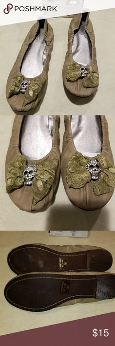 Brand new Khaki skull flats size 10 Brand new.  Ever been worn khaki skull flats size 10 via pinky Shoes Flats & Loafers